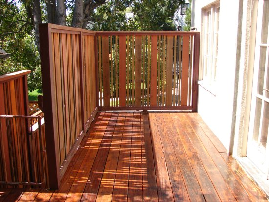 Custom Redwood Deck with Privacy Screening