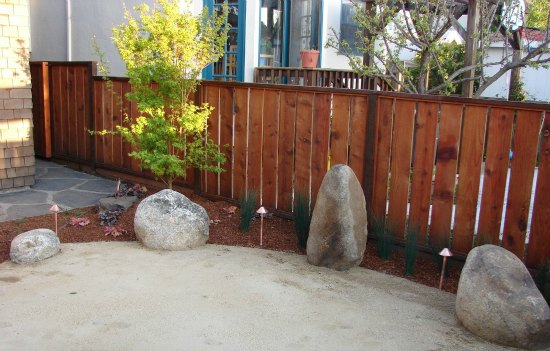 Hooker Creek Boulders in Tai Chi Court